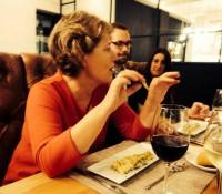 #cenando con Isabel Llinás: nuestra invitada es una gran conversadora
